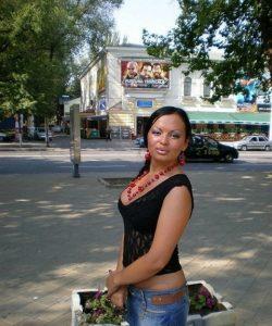 Миниатюрная девушка ищет мужчину в  для страстного интима